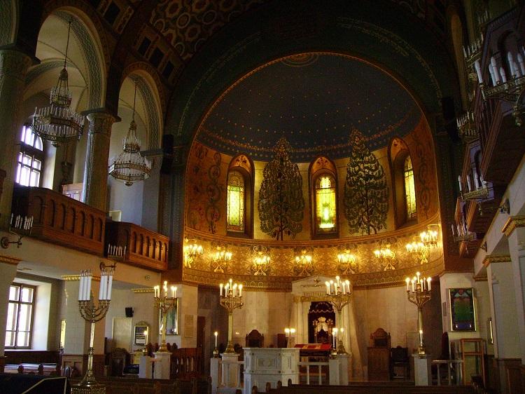 תקרת בית הכנסת הכוריאלי | צילום מתוך ויקפדיה